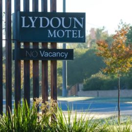 The Lydoun - Front sign